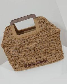 Crochet Coat, Tissue Holders, Straw Bag, Crochet Pouch, Handmade Bags, Diy, Tricot, Craft, Knit Bag
