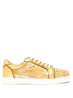 CHRISTIAN LOUBOUTIN CHRISTIAN LOUBOUTIN - SEAVESTE SPIKE EMBELLISHED LOW  TOP TRAINERS - MENS - GOLD.  christianlouboutin  shoes 3a7f05edf60