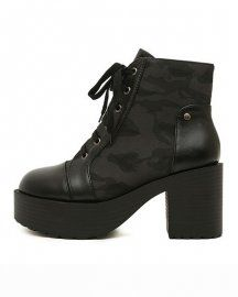 CAMOUFLAGE LACE-UP ANKLE BOOTS IN GRAY