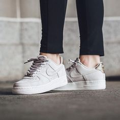 Sneakers femme - Nike Air Force 1 Premium Suede by @titoloshop
