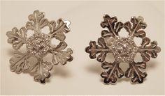 "American Charm - ""Glisten"" Snowflake 18K White Gold Earrings with Diamonds #earrings #AmericanCharm #snowflake #diamonds"