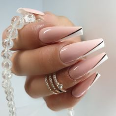 High quality Press on nails by on Etsy Classy Nails, Stylish Nails, Dope Nails, Swag Nails, Grunge Nails, Gorgeous Nails, Pretty Nails, Milky Nails, Nagel Hacks