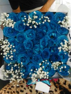 Flower box blue rose Mawar biru . Harga mulai Rp 300.000