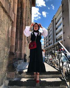 Instagram Hijab Fashion Summer, Modest Fashion Hijab, Street Hijab Fashion, Modern Hijab Fashion, Casual Hijab Outfit, Muslim Fashion, Fashionista Trends, Hijab Fashionista, Hijab Fashion Instagram