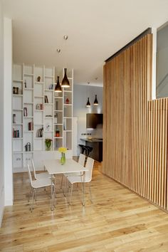 APARTMENT IN BOW  WAREHOUSE CONVERSION  LONDON/ROYAUME-UNI/2012