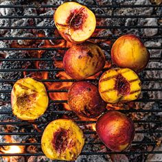 Grilled Peaches with Salted Caramel Sauce Recipe Grilled Desserts, Grilled Fruit, Grilled Peaches, Pb And J Sandwiches, Peach Pound Cakes, Cooking Over Fire, Campfire Grill, Bourbon Sauce, Salted Caramel Sauce