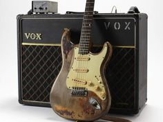 le materiel de rory gallagher.  Résultats Google Recherche d'images correspondant à http://cdn.mos.musicradar.com/images/features/career-in-gear/rory-gallagher/1961-fender-strat-vox-ac30-1200-80.jpg