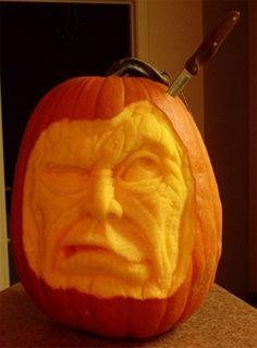 Amazing Halloween Pumpkin Carvings 16
