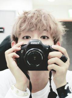 "Taehyung ""V"" The 4D alien~~ I love him so much >_"