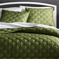 Shop Palazzo Green Quilts and Pillow Shams. Palazzo elevates quilted bed linens with modern geometry and the silky sheen of green cotton sateen. Green Quilt, Blue Quilts, White Quilts, Ikea, Master Suite, Home Addition Plans, Beige Bed Linen, Linen Shop, Bed Linen Design