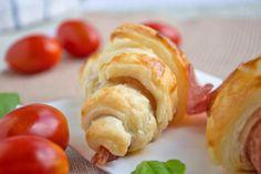 Knusprige Salamicroissants