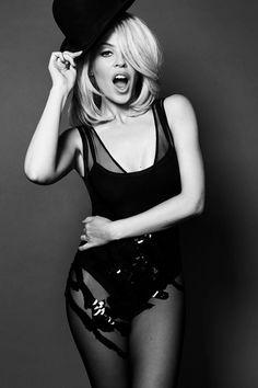 Gorgeous Kylie Minigue!!!