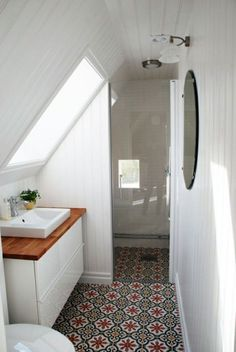 Magnificent small bathroom furnished attic
