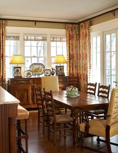 Traditional farmhouse dining room decoration 34 - Home Design Interior Decorating Styles, Interior Design, Decorating Ideas, Decor Ideas, Southern Decorating, 31 Ideas, Room Interior, Interior Ideas, Dining Room Curtains