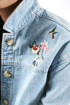 Embroidered Denim Jacket, Embroidered Clothes, Jean 1, Denim Fashion, Fashion Outfits, Womens Fashion, Estilo Jeans, Style Feminin, Elegant Outfit