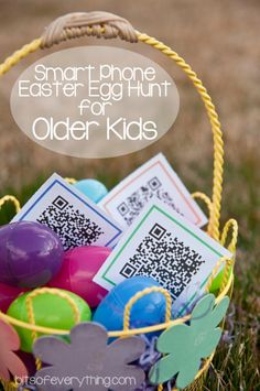 Easter Egg and Basket Hunt Ideas Our kids are grown up so it has been a while since we have had to think much about Easter Baskets and Easter Egg Hunts. Somehow we have six grandkids of various age… Easter Games, Easter Activities, Easter Hunt, Easter Party, Easter Brunch, Easter Dinner, Easter Scavenger Hunt, Scavenger Hunts, Baby Dekor