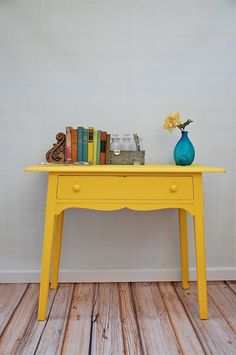 Lyons Held Saw this and thought of you.Vintage Sunny Painted Desk with Center Drawer by sugarSCOUT Furniture Makeover, Diy Furniture, Furniture Projects, Yellow Desk, Decopage, Furniture Styles, Furniture Inspiration, Diy Painting, Ideal Home