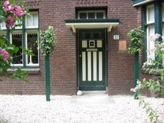 HEDERA Planting at the front door, maintenance friendly and stylish. NEW by Hivy Pillar Greenfashion (HPG) www.hivypillar.nl