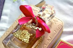 Imagen vía We Heart It https://weheartit.com/entry/55765475/via/5389335 #amazing #awesome #cool #cute #fantastic #fashion #fragrance #girl #girly #great #juicycouture #loveit #luxury #nice #perfum #pink #stuff #style #vivalajuicy #fragance #girlsstuff