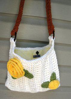 Summer Blooms, crochet white cotton shoulder purse
