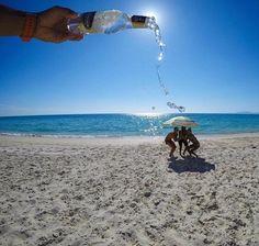 30 Fun Beach Vacation Photography Ideas You Need To Try - Feminine Buzz Illusion Photography, Beach Photography, Creative Photography, Digital Photography, Photography Ideas, People Photography, Photography Challenge, Headshot Photography, Inspiring Photography