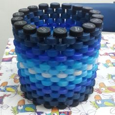 Garrafa pet artesanato reciclagem Ideas for 2019 Plastic Bottle Caps, Reuse Plastic Bottles, Bottle Cap Art, Recycled Bottles, Recycled Crafts, Handmade Crafts, Bottle Top Crafts, Pet Furniture, Diy Stuffed Animals