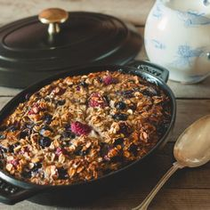 Baked Oatmeal with fresh Berries (in German)