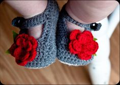 Crocheted Baby Shoes! | Very Jane