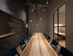 オフィス内装デザイン実績|ユニオンテック株式会社のデザインオフィス イメージ画像5 Office Furniture Design, Office Interior Design, Office Interiors, Office Entrance, Office Meeting, Showroom Design, Co Working, Small Office, Commercial Design