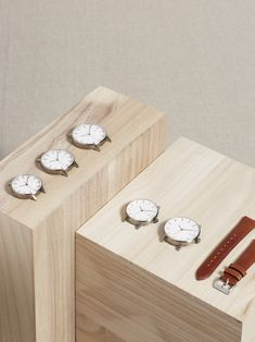 Fine leather goods, watches and jewelry. Luxury-grade materials and craftsmanship without the luxury markup. Norwegian design studio based in Hong Kong. Minimalist Bag, Minimalist Fashion, Cool Watches, Watches For Men, Le Club, Home Gadgets, Online Bags, Bracelet Watch, Photos