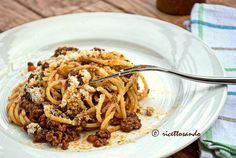 Ragu di carne (bolognese) #ricetta di @luisellablog