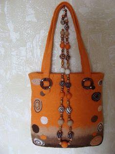 Войлочные украшения на каркасе, сумки, одежда: марта 2010