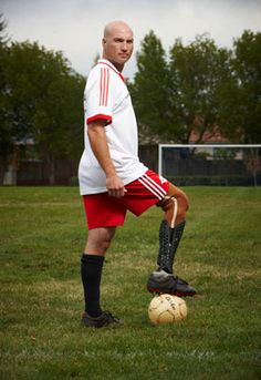 Soccer Player Chad Wears His Prosthetic Fairing