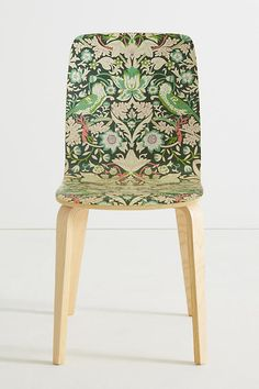 Slide View: Chaise de salle à manger Tamsin Liberty for Anthropologie Small Living Room Chairs, Small Accent Chairs, Bedroom Reading Chair, Reading Chairs, Patterned Armchair, Restaurant Chairs For Sale, Surf Decor, Deco Boheme, Buy Chair