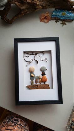 Family rocks art, family of four, Mother's day gift, pebble family art, houshousewarming gift by madebynatureandme on Etsy