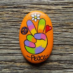 Painted Rock Cactus, Painted Rock Animals, Painted Rocks Craft, Hand Painted Rocks, Rock Painting Patterns, Rock Painting Ideas Easy, Rock Painting Designs, Painting For Kids, Pebble Painting