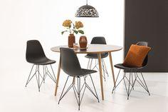 Ø120 cm, bordplate i hvit laminat, hvitoljede eikeben. Kan bli 270 cm langt ved kjøp av tilhørende innleggsplate - kjøpes separat. Eames, Dining Chairs, Interior, Furniture, Home Decor, Metal, Decoration Home, Indoor, Room Decor