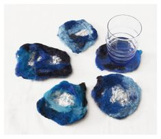 Gemma Rabionet, COASTER BLUMEN: Petals of fabric -felt made of merino wool and silk
