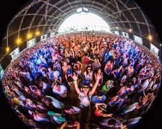 Wild Crowds and Awesome Art at #Coachella 2013 - My Modern Metropolis