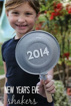 Make a #NYE shaker with the kids to ring in 2014!
