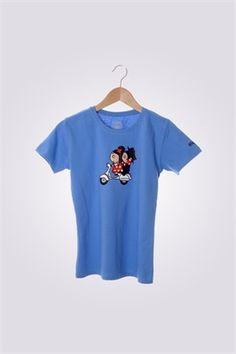 Camiseta de mujer ArriquiVespa color azul índigo con diseño de Curra y Lolo en Vespa