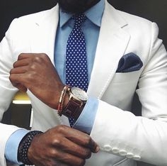 Spring comes #Elegance #Fashion #Menfashion #Menstyle #Luxury #Dapper #Class #Sartorial #Style #Lookcool #Trendy #Bespoke #Dandy #Classy #Awesome #Amazing #Tailoring #Stylishmen #Gentlemanstyle #Gent #Outfit #TimelessElegance #Charming #Apparel #Clothing #Elegant #Instafashion