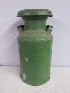 shopgoodwill.com: Vintage Detroit Michigan Creamery Co. Green Jug