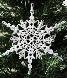 Sparkly Crochet Snowflake Ornament | This stunning snowflake ornament is hand-crocheted!