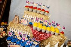 A rustic country farm theme: Cupcake Displays on Hays