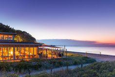 Weissenhaus Grand Village Resort & SPA, ausgezeichnet als schönstes Strandhotel Europas, liegt in Schleswig-Holstein an der Ostsee. Ein Luxushotel für Entspannung und Genuss auf höchstem Niveau.
