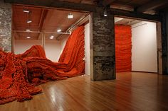 Large scale no-hook #crochet rope #art by Orly Genger