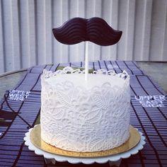 Cute cake from www.sockerrus.se Moustache chocolate mould from www.klaraform.se