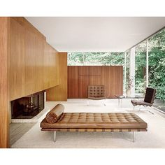 "1,870 tykkäystä, 32 kommenttia - The Grey Collective (@thegreycollective) Instagramissa: ""Rich Tones x Minimal Detailing Design by Mies Van Der Rohe . . . . . . . . . . . . . . . . . .…"""