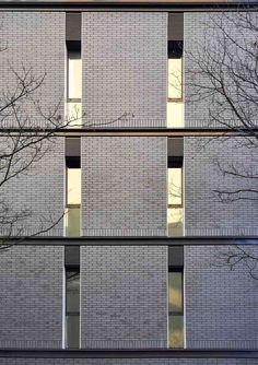90 Architekci Piotr Czarnecki · Apartment building in Warsaw Brick Architecture, Urban Architecture, Contemporary Architecture, Architecture Details, Building Exterior, Building Facade, Building Design, Facade Design, Exterior Design